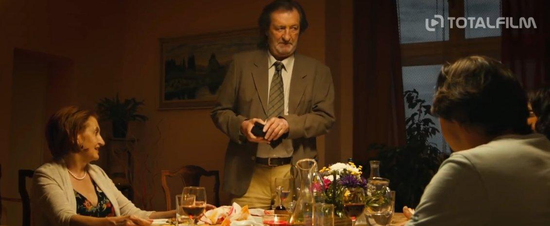 Film Manžel na hodinu (2016) online ke zhlédnutí.