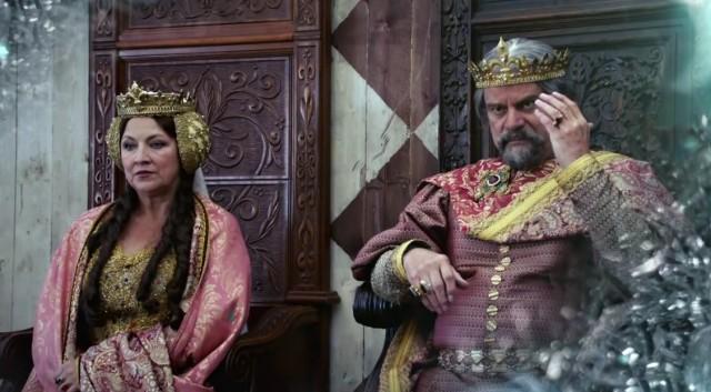 Král Alexandr je velmi moudrý vladař.