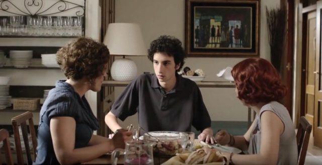 Edoardo je úplně obyčejný mladík.
