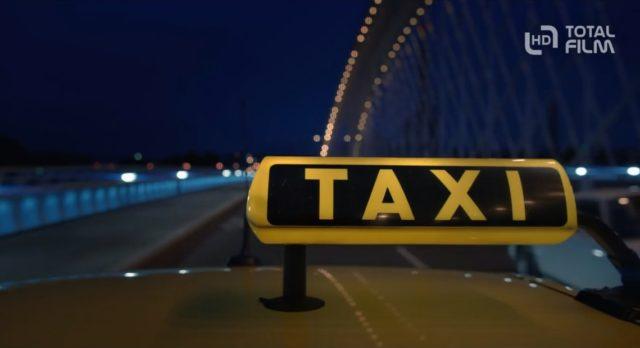 Příběh z prostředí pražské taxislužby.